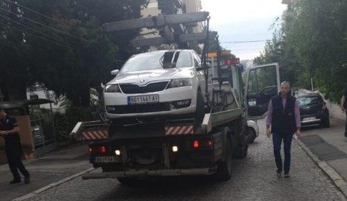 Oduzeto taksi vozilo od neregistrovanog lica 13