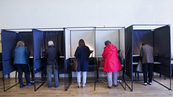 Zatvorena birališta na predsedničkim izborima u Litvaniji 1
