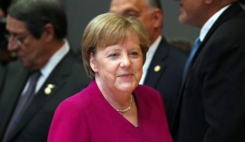 Merkel: Nemački tim u Prištini 11
