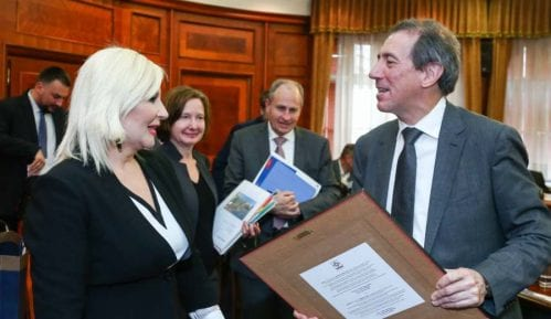 Mihajlović: Strateški smo opredeljeni za razvoj infrastrukture 15