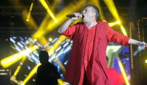 Nele Karajlić održao koncert pred punim Tašmajdanom (FOTO) 2