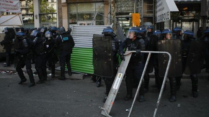 Sukobi demonstranata i policije u Parizu 1