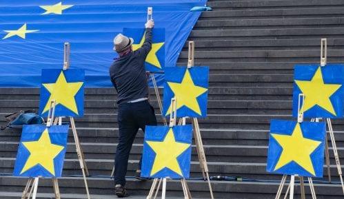 Projekcije Evropskog parlamenta: Ubedljiva većina za proevropske stranke 7