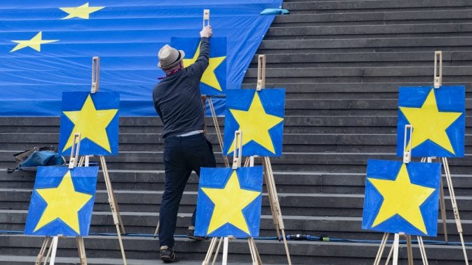 Projekcije Evropskog parlamenta: Ubedljiva većina za proevropske stranke 1
