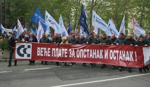 Protest sindikata: Minimalna zarada ispod svake granice izdržljivosti (FOTO/VIDEO) 5
