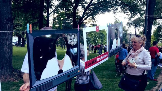Protestna šetnja završena u Slobodnoj zoni, otvoren Muzej naprednjačkog realizma 2