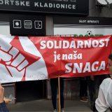 Građani se okupili ispred pekare u Borči u znak solidarnosti 3