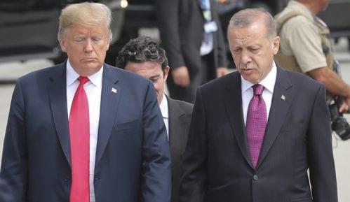 Tramp i Erdogan pozvali na prekide vatre u Siriji i Libiji 12