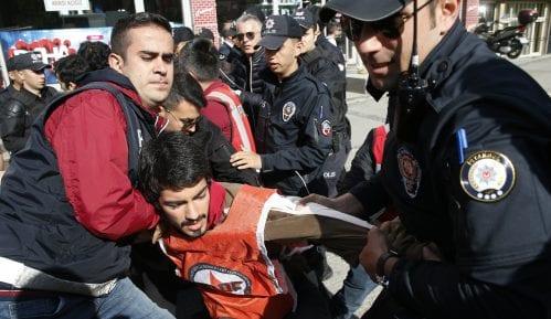 Turska policija uhapsila nekoliko demonstranata 12
