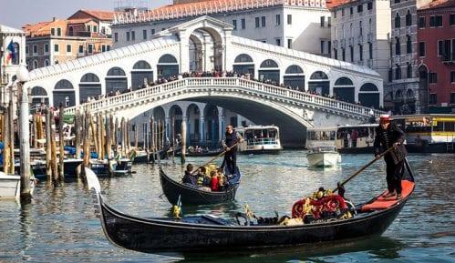 Taksa od tri evra za turiste koji borave u Veneciji od 1.jula 2020. 15