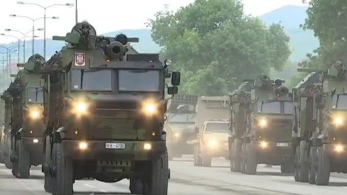 Vojna parada u Nišu: Ruski tenkovi i srpsko naoružanje pred građanima 1