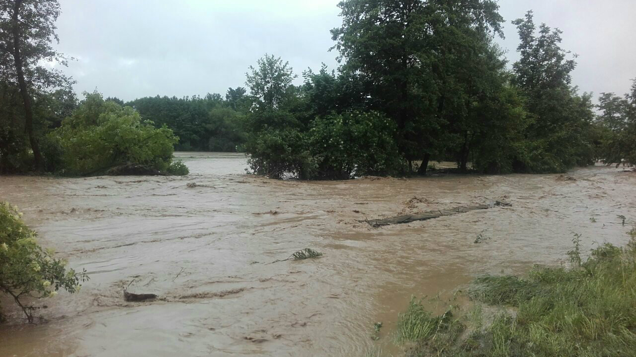 Marić: Voda se povlači, sad aktivnosti za povratak kućama (FOTO) 3