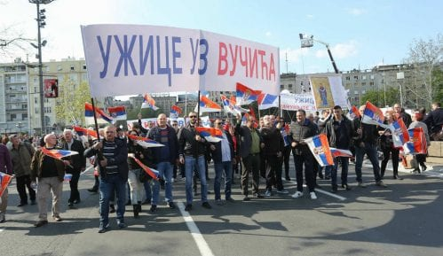 Državne pare za odlazak na Vučićev miting 8