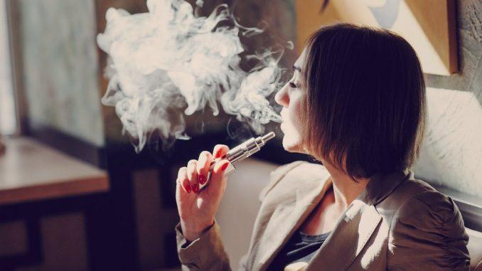 Pušenje e-cigareta u Srbiji: Gde smete da ih konzumirate i da li opasne 2