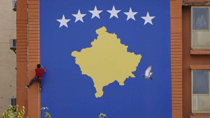 MUP Kosova: Vlasnici vozila sa KS tablicama će kod produžetka registracije morati da pređu na R 3