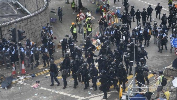 Demonstranti u Hongkongu traže od kineskih trgovaca da napuste teritoriju 3