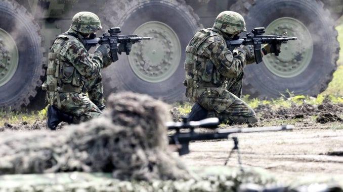 Većina građana Srbije za veće vojne izdatke 4