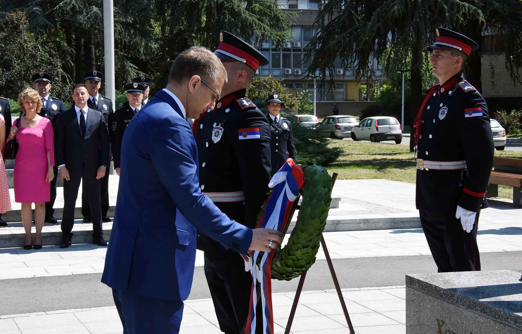 Stefanović: Zahvaljujući radu profesionalaca iz policije, živimo u bezbednoj i stabilnoj državi 3