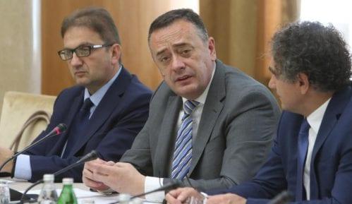 Antić potpisao ugovore o sufinansiranju projekata za unapređenje energetske efikasnosti 8