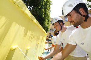 Vaterpolisti uredili dvorište osnovne škole za decu sa smetnjama u razvoju 2