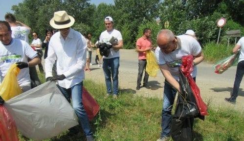 Fabrici, Radojičić i Trivan čistili đubre sa Savskog keja 5