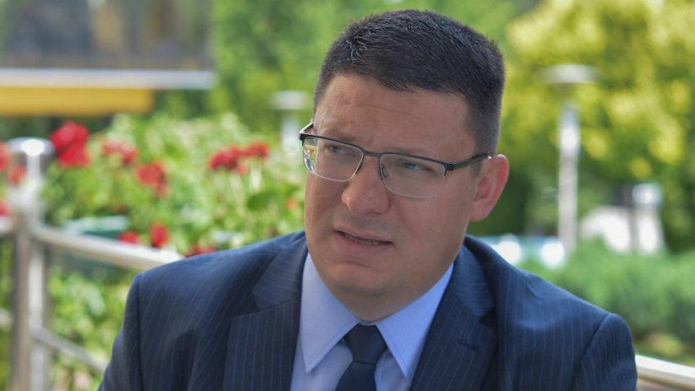 """Odgovor na tekst """"Ko je Đurđev, skupljač potpisa za odbranu Aleksandra Vučića"""" 1"""