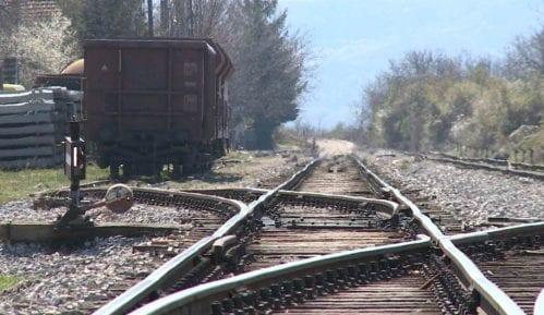 Vandali kamenovali međunarodni teretni voz u Beogradu 9