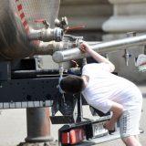 Zbog vrućina postavljene cisterne s pijaćom vodom u Novom Sadu 14