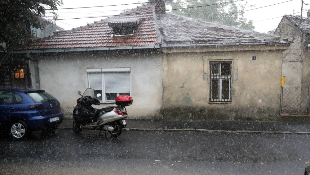 Jedan poginuo i devetoro povređenih u nevremenu u BiH 1