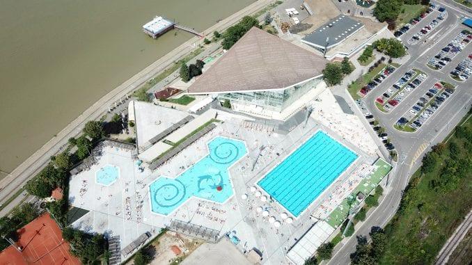 SNS: Preuzimanje bazena je dobra odluka, Bastać je odlazeći predsednik opštine 4