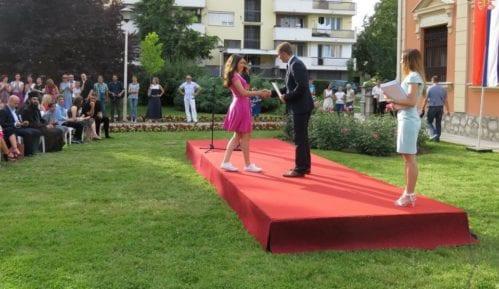 Grad Šabac nagradio 143 učenika i 88 nastavnika 14