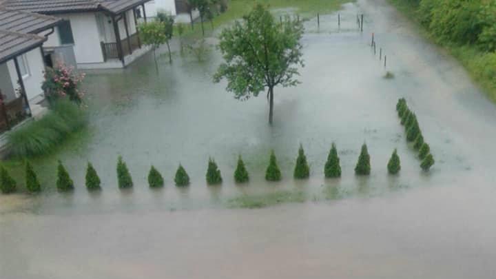 Marić: Voda se povlači, sad aktivnosti za povratak kućama (FOTO) 7