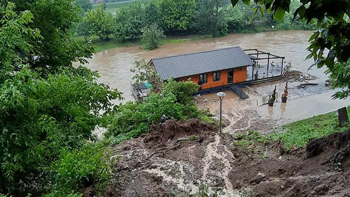 Marić: Voda se povlači, sad aktivnosti za povratak kućama (FOTO) 2
