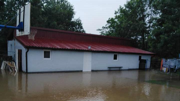 Marić: Voda se povlači, sad aktivnosti za povratak kućama (FOTO) 8