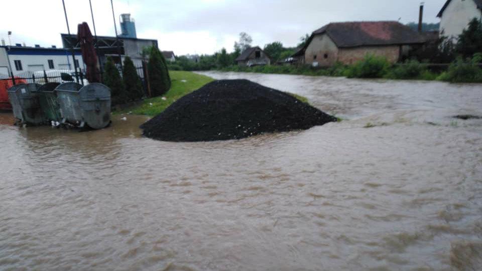 Marić: Voda se povlači, sad aktivnosti za povratak kućama (FOTO) 10