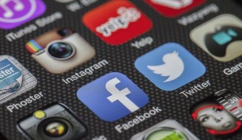 WhatsApp vodeća društvena mreža za deljenje vesti, Fejsbuk u padu 9