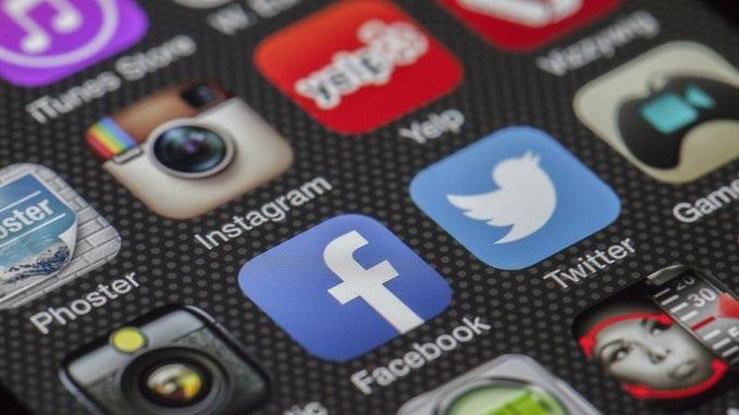 Polovina mladih svedoci diskriminacije na internetu, četvrtina žrtve 1