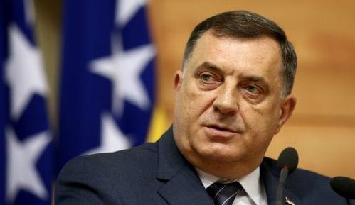 Dodik: SNSD odbacuje najavu nametanja Zakona o negiranju genocida i Pribeov izveštaj 49