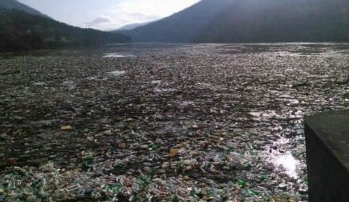 Čišćenje jezera Potpeć u Priboju 26. juna 7