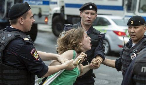 Nekoliko desetina demonstranata uhapšeno na protestu u Moskvi 1