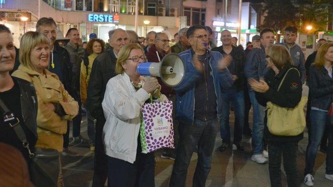 """Protest """"1 od 5 miliona"""" privremeno obustavljen u Užicu 1"""