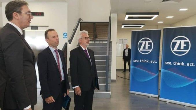 Vučić: I Merkel mi čestitala na nemačkoj fabrici 1