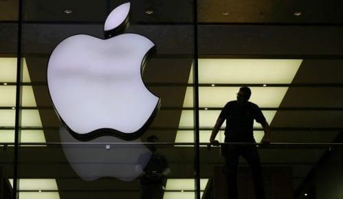 'Epl' će platiti 500 miliona dolara zbog namernog usporavanja telefona 5