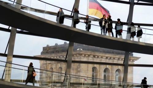 Ambasada Nemačke uputila kritike povodom kršenja slobode medija 12