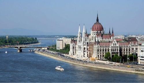Mađarska ukinula vanredno stanje 3
