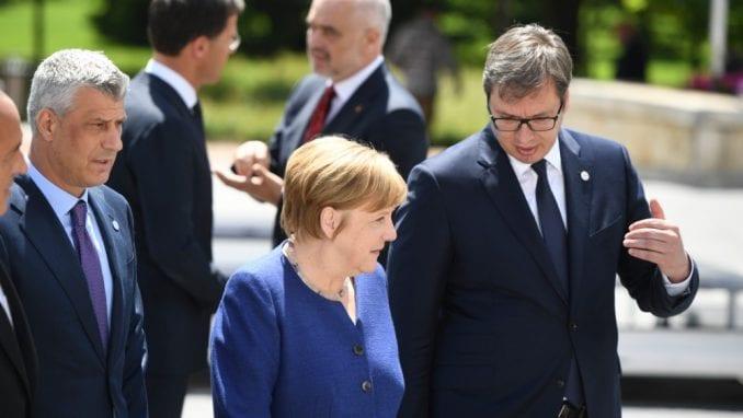 Server strahuje da bi Vučić i Tači mogli da postignu sporazum koji podrazumeva razmenu teritorija 1