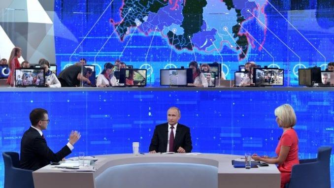 Na šta sve Rusi traže odgovor od Putina: Mala primanja, težak život... 3