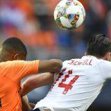 Sindikat engleskih fudbalera traži da se na treninzima manje udara lopta glavom 11