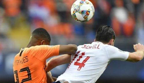 Sindikat engleskih fudbalera traži da se na treninzima manje udara lopta glavom 9