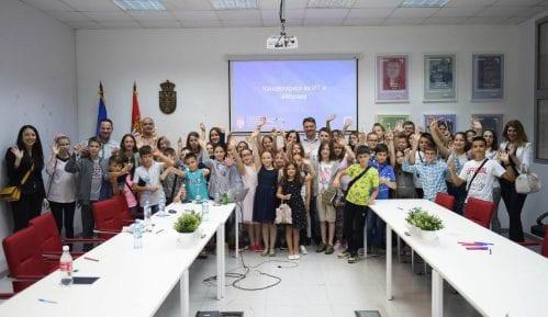 Osnovci iz Vranja posetili Kancelariju za IT i elektronsku upravu 8